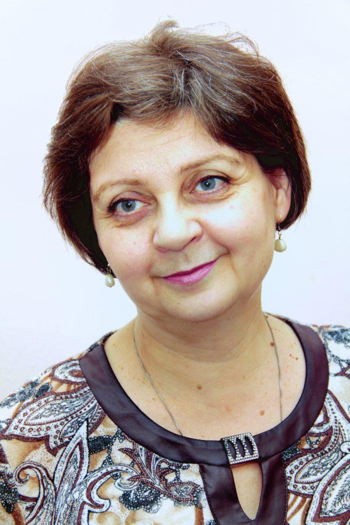 кандидат мистецтвознавства, викладач-методист Інна Віталіївна Полібіна